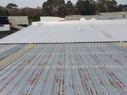 Rusty-commercial-roof-from-neighbouring-roof